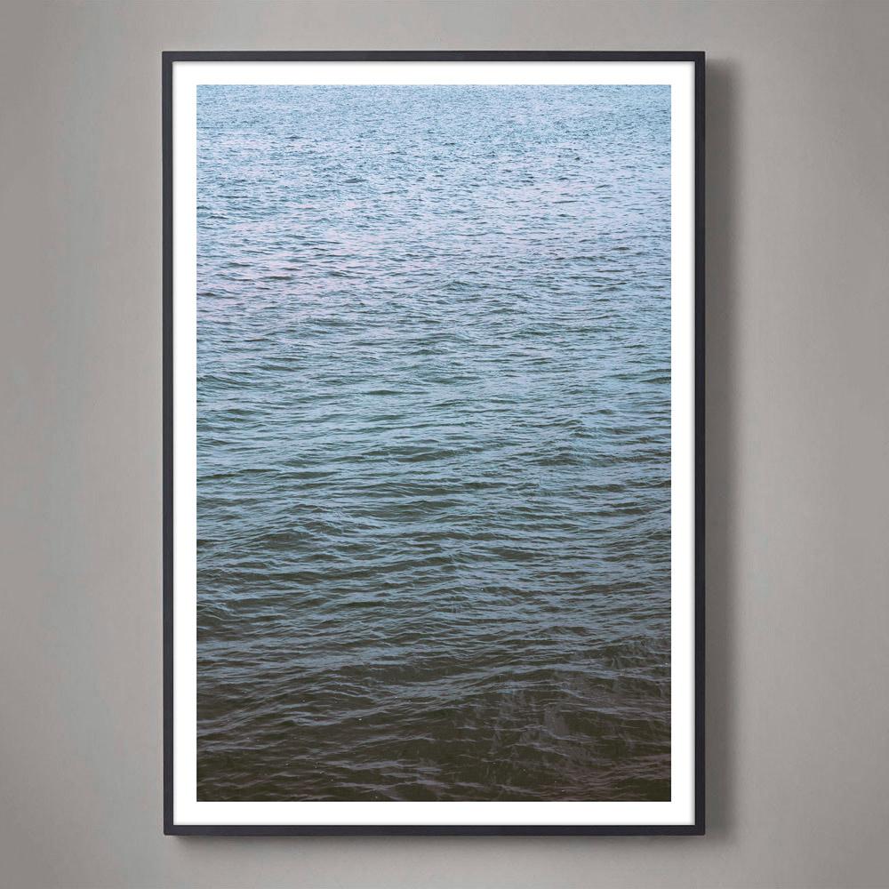 abstract-ocean-photo-black-frame